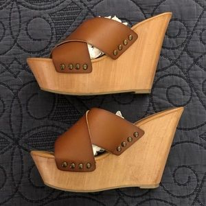 Like new! Mossimo Leather Wedges